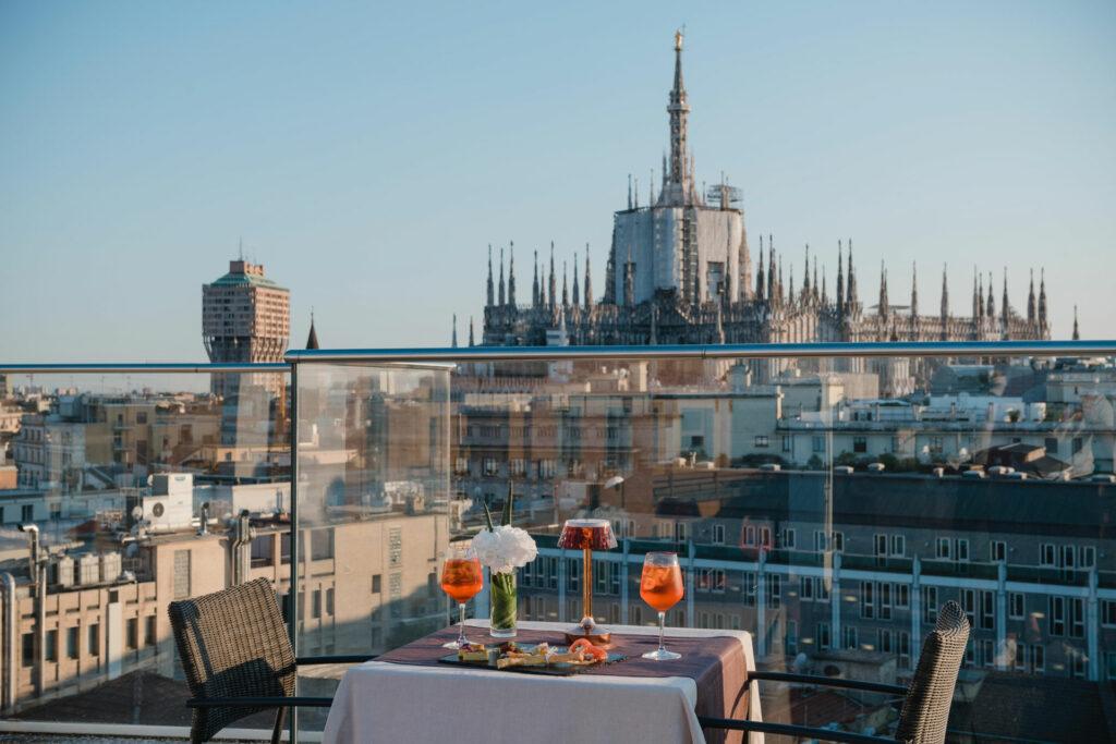 Aperitivi-all'aperto-Latitude-45-Vista-Duomo
