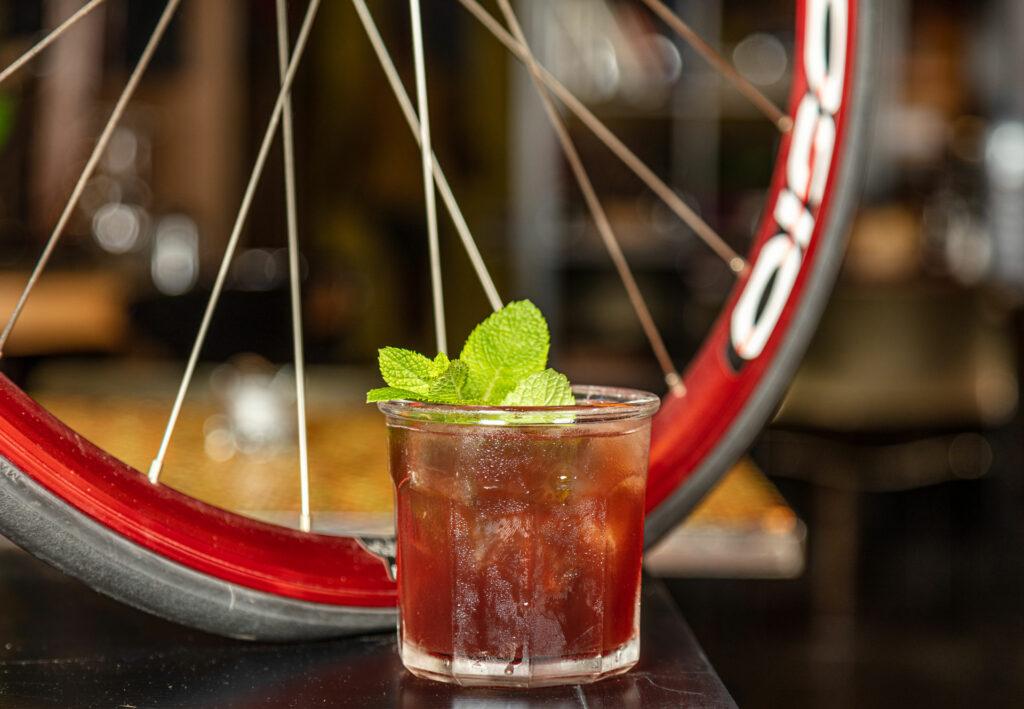 biciclette-21-compleanno-signature-cocktail-martin-mate