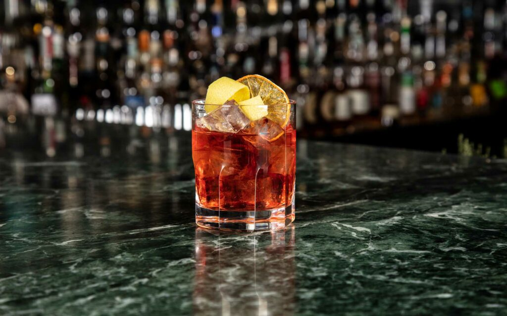 Mio-Lab-Cocktail-Negroni-in-barrique