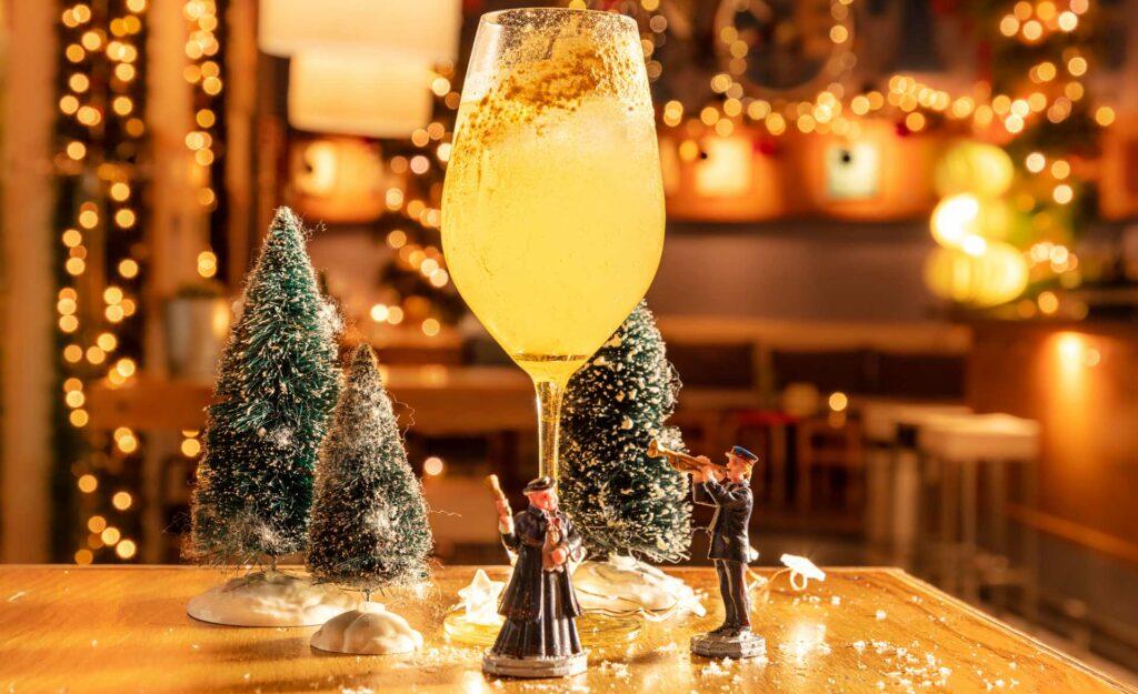Cocktail-di-Natale-10-ricette-drink-Sprizzettun-Le-Biciclette-Coqtail-Milano