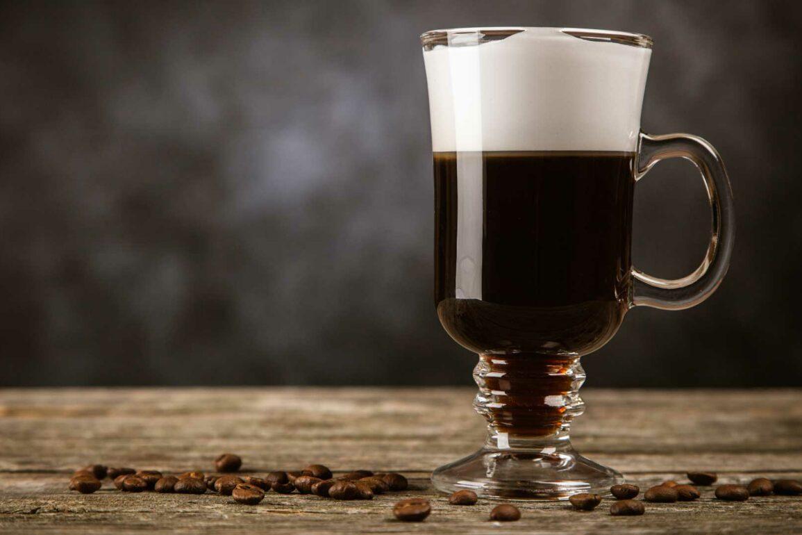 Irish-Coffee-Cocktail-IBA-ricetta-Coqtail-Milano