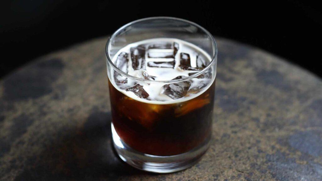 Black-Russian-Kahlua-cocktail-Coqtail-Milano