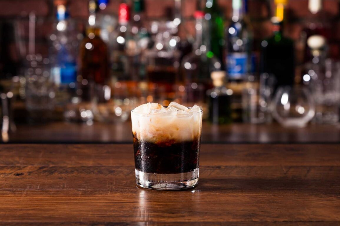White-Russian-Kahlua-cocktail-Coqtail-Milano