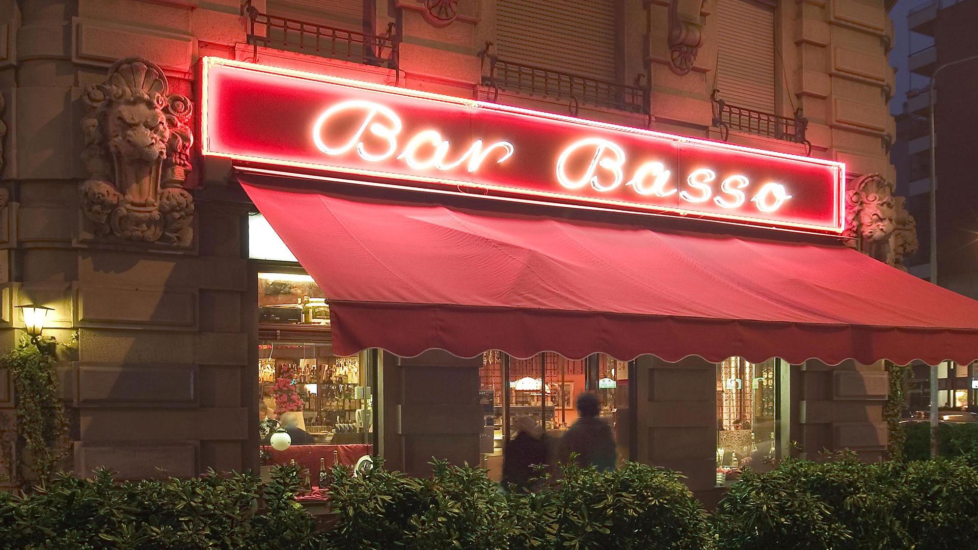 Il-fundraising-del-Bar-Basso-per-Opera-San-Francesco-Coqtail-Milano
