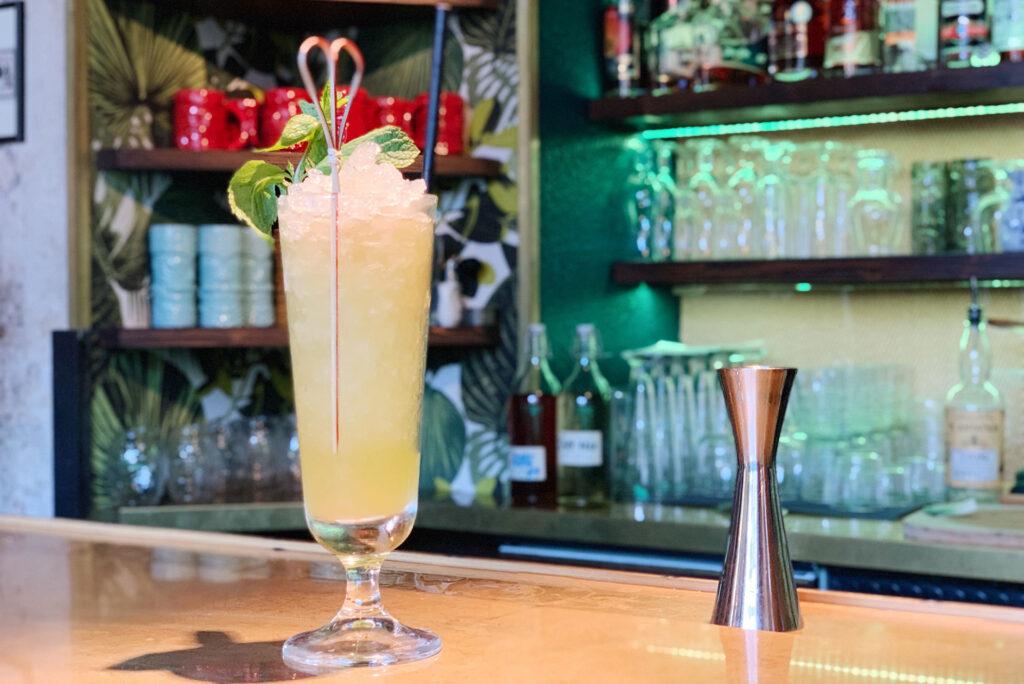 cocktail-al-farlernum-tiki-room-swizzle-Coqtail-Milano