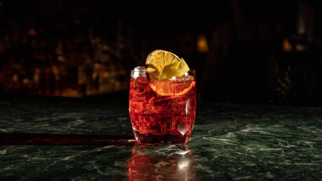 Mio-Lab-Park-Hyatt-Negroni-in-barrique-Coqtail-Milano