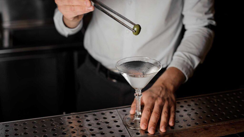 Dry-Martini-Cocktail-IBA-Coqtail-Milano