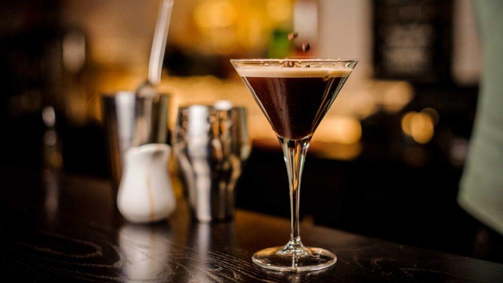 Espresso-Martini-ricetta-IBA-Coqtail-Milano
