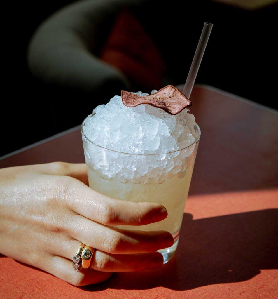 cocktail-bar-allaperto-Milano-Navigli-Iter-Coqtail-Milano