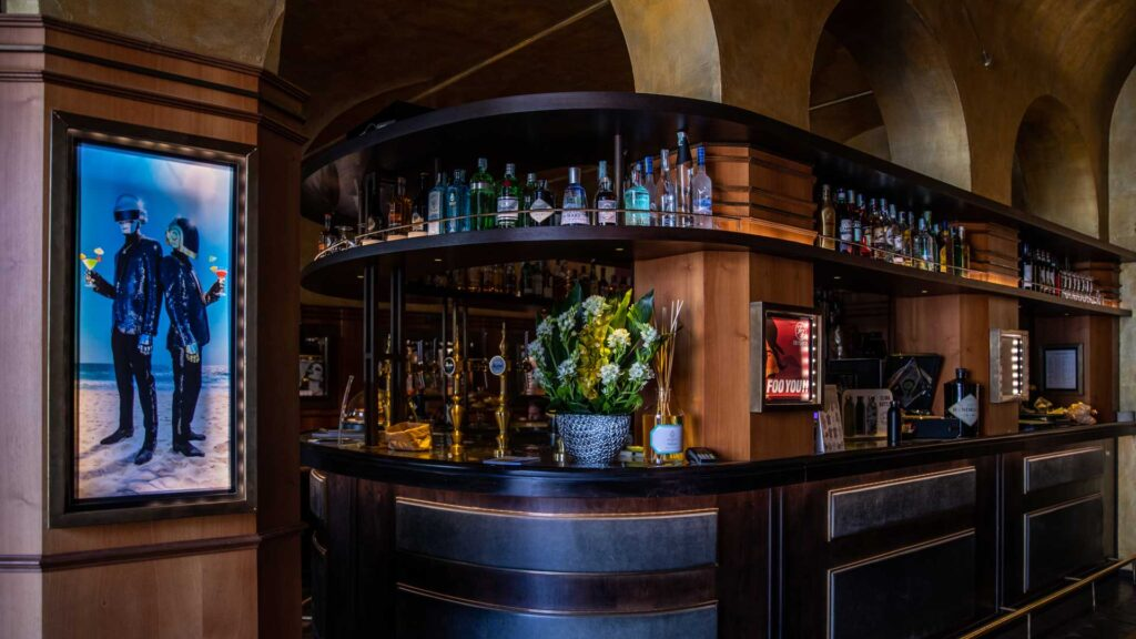 Move-On-cocktail-bar-Firenze-Coqtail-Milano
