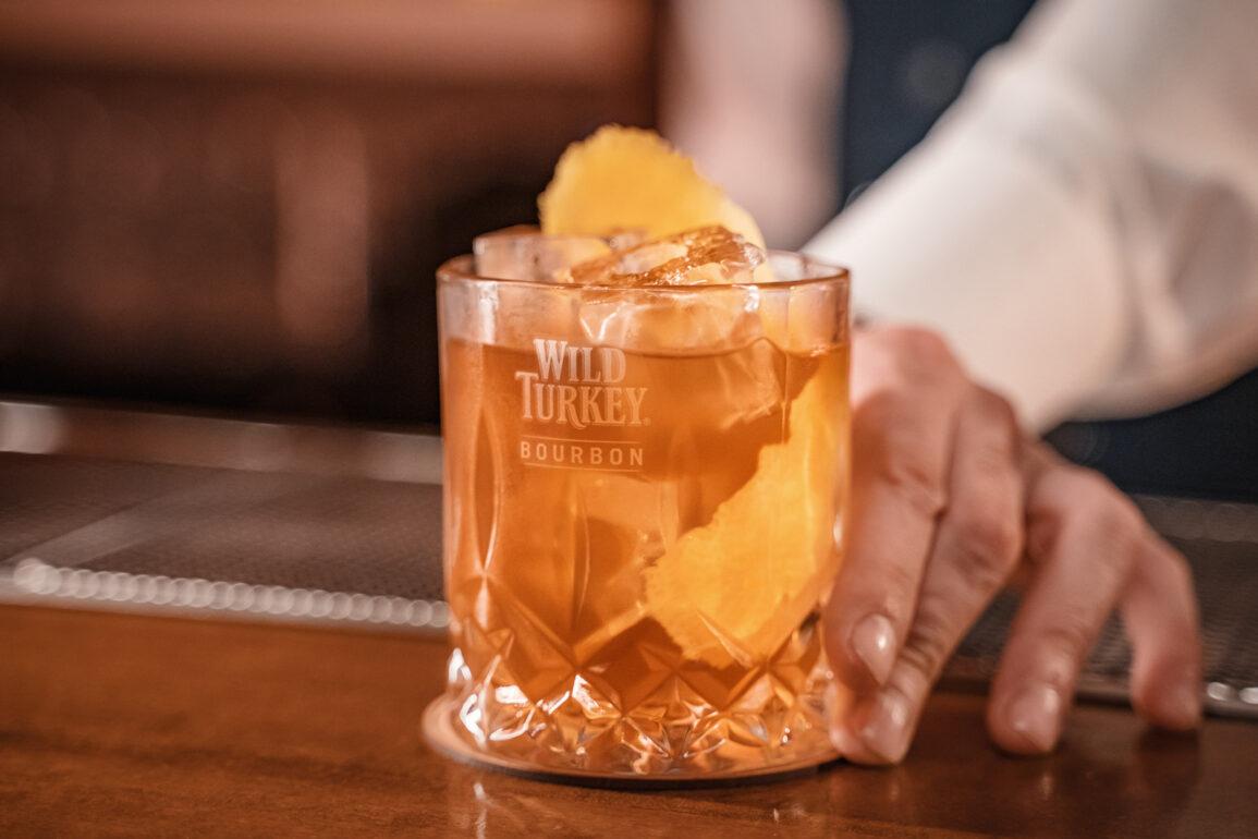 degustare bourbon il Giorno dell'Indipendenza Old Fashioned Wild Turkey Coqtail Milano