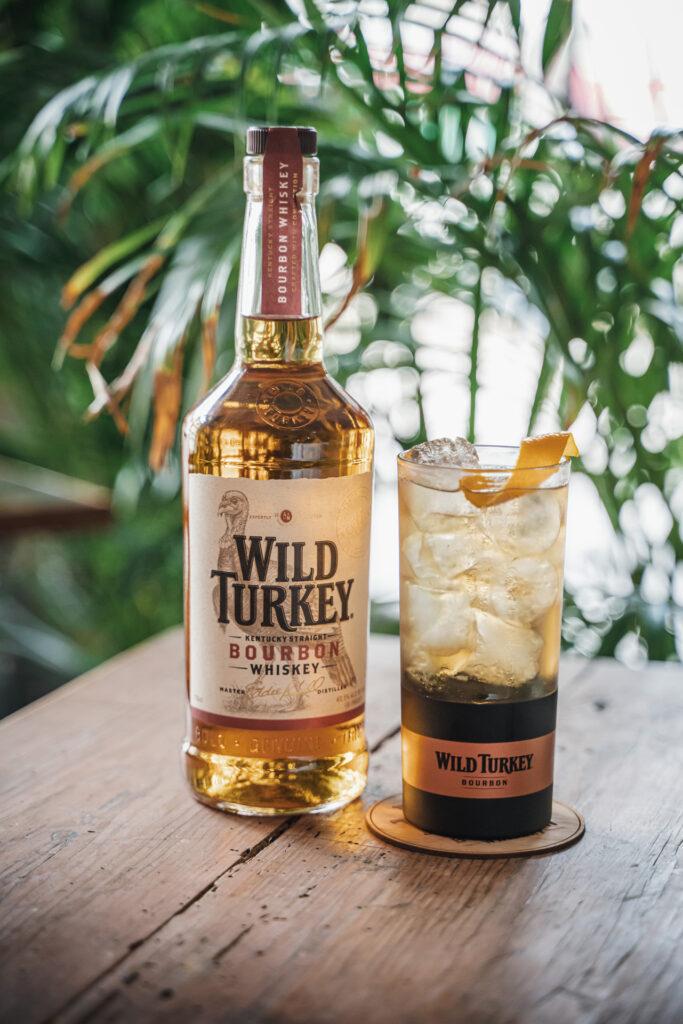 degustare bourbon il Giorno dell'Indipendenza Wild & Ginger Wild Turkey Coqtail Milano