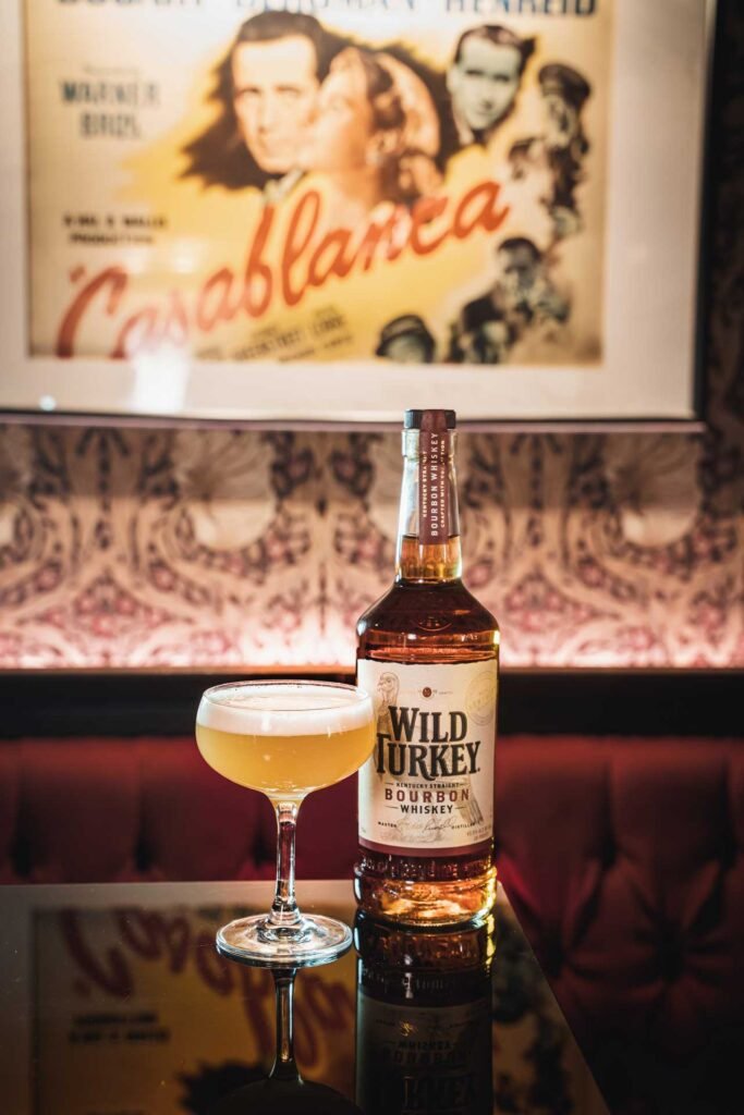Whiskey-Sour-Day-5-motivi-per-bere-il-drink-a-base-Bourbon-Wild-Turkey-Coqtail-Milano