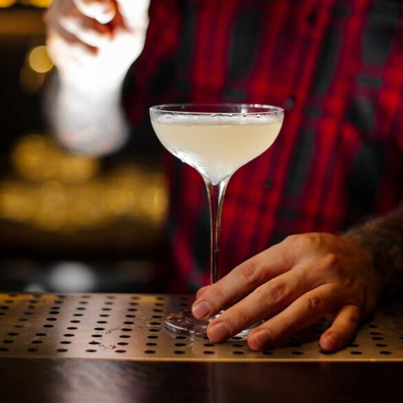A base gin, il Corpse Reviver #2 è il drink con cui fare senz'altro colazione se la sera prima avete bevuto troppo
