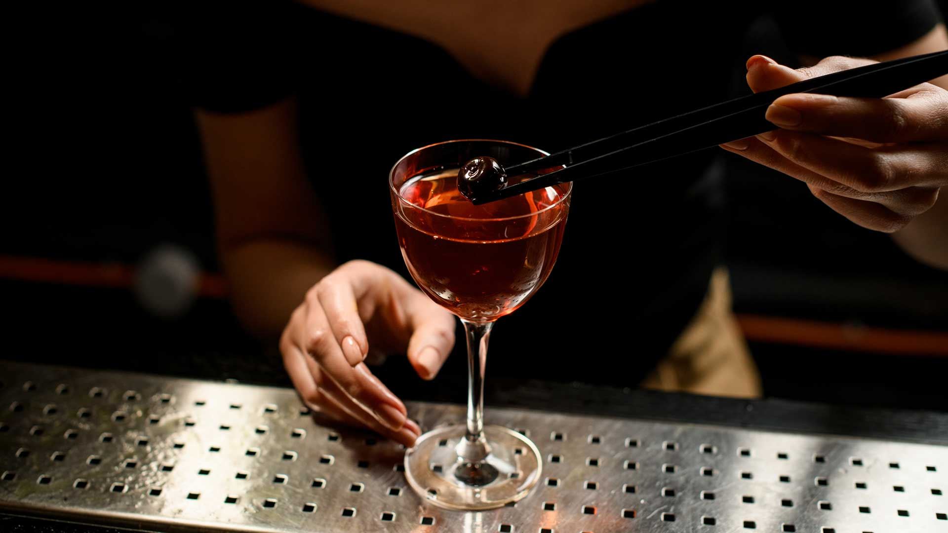 Manhattan-cocktail-ricetta-IBA-Coqtail-Milano