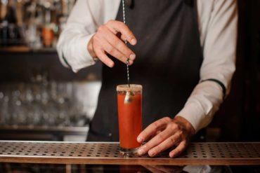 Come-preparare-un-Bloody-Mary-Coqtail-Milano