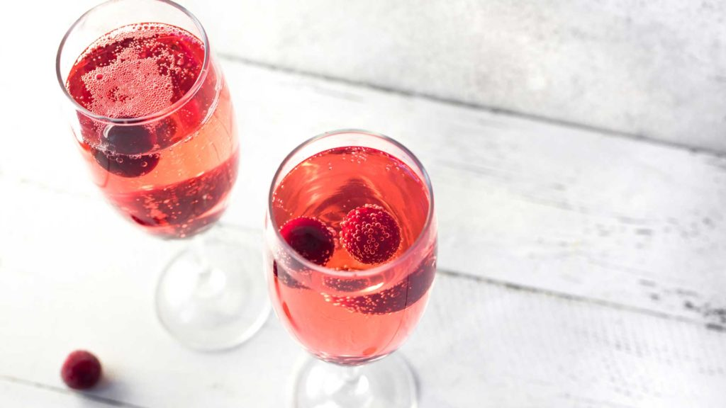 Kir-Royal-ricetta-cocktail-IBA-Coqtail-Milano