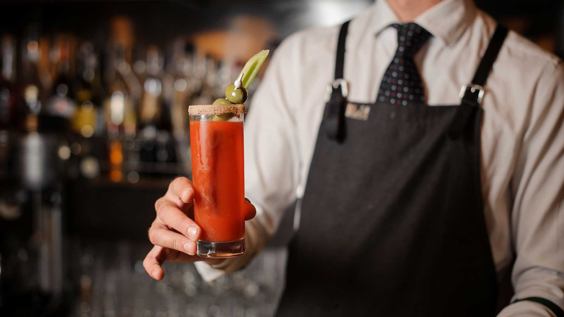 cocktail-per-riprendersi-dal-pranzo-di-Natale-Bloody-Mary-Coqtail-Milano