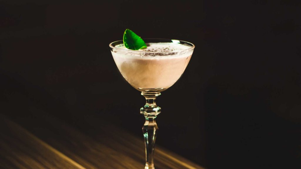 Alexander's-sister-cocktail-Ricetta-Coqtail-Milano