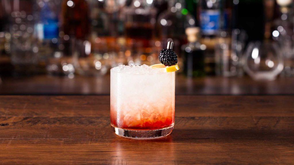 Bramble-cocktail-ricetta-Coqtail-Milano