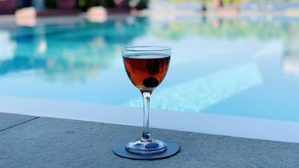 Cocktail-più-bevuti-al-mondo-Manhattan-Ceresio-7-Coqtail-Milano