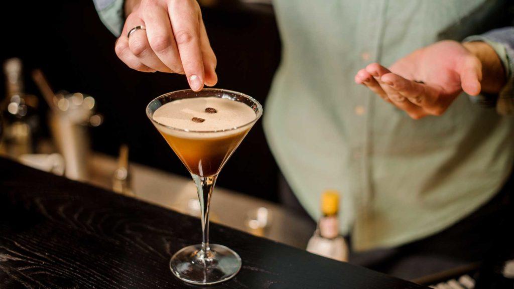 Espresso-martini-cocktail-Coqtail-Milano