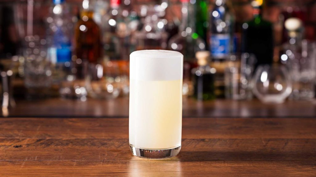 Gin-Fizz-cocktail-Coqtail-Milano