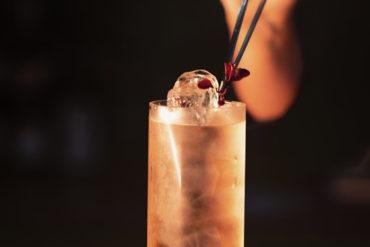 L'avenir est femme cocktail per Coco Chanel 50 anni dalla morte Coqtail Milano