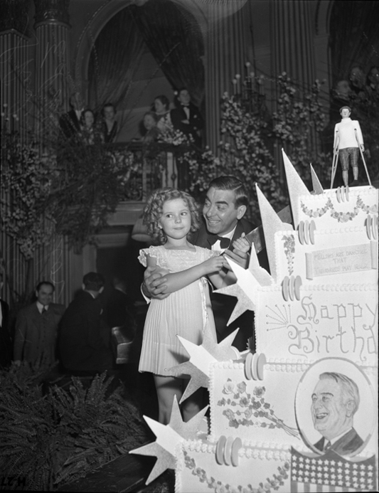 Shirley Temple - Public domain, via Wikimedia Commons - Coqtail Milano
