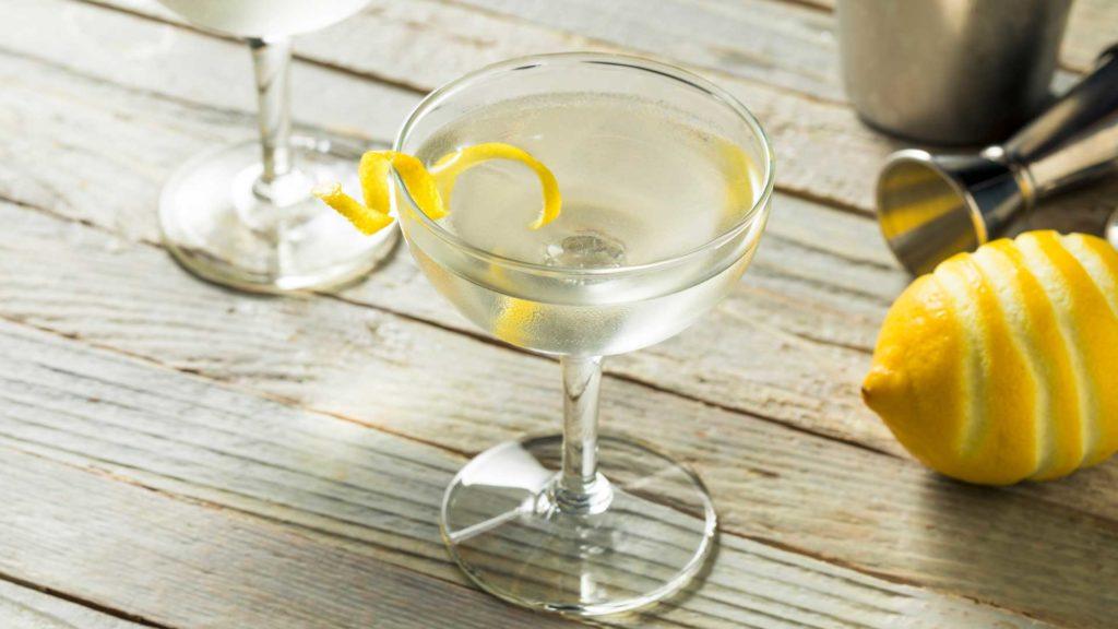 cocktail-alla-vodka-ricetta-IBA-Vesper