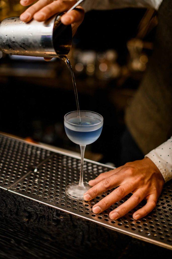 Angelo-Azzurro-cocktail-italiani-più-famosi-Coqtail-Milano