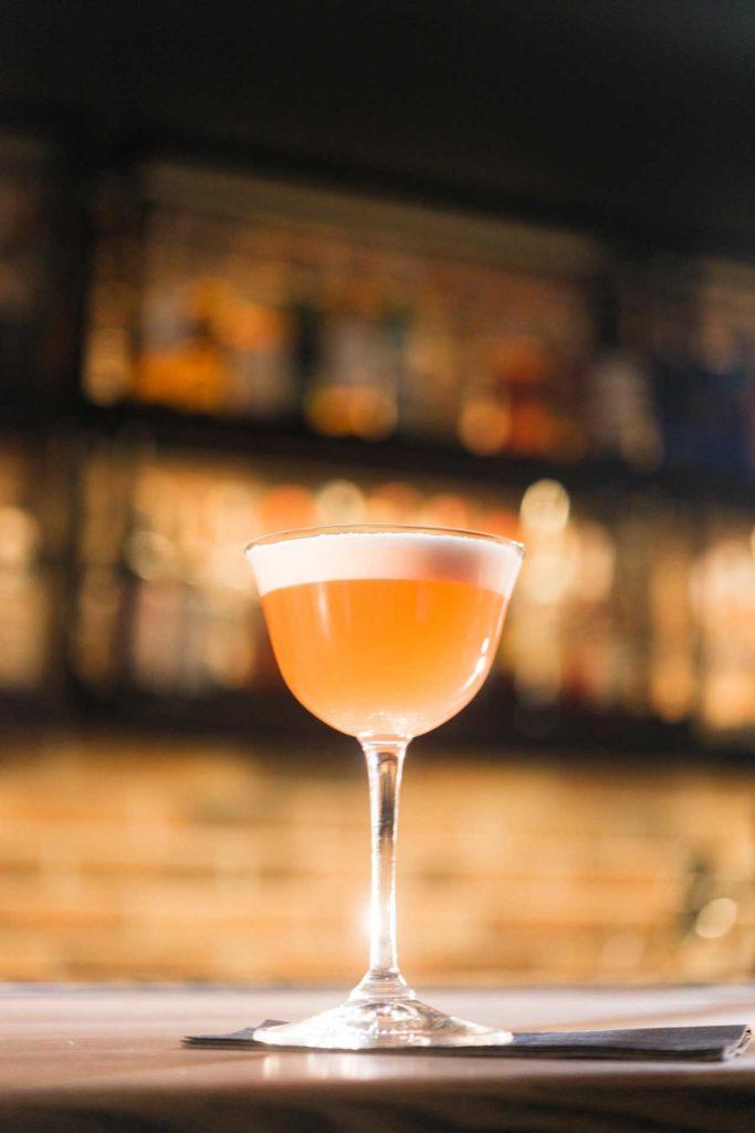 Yellow-bird-Cocktail-primaverili-con-lime-Coqtail-Milano