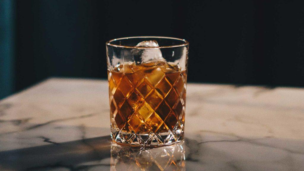 come-abbinare-whisky-e-uova-di-Pasqua-al-cioccolato-Coqtail-Milano