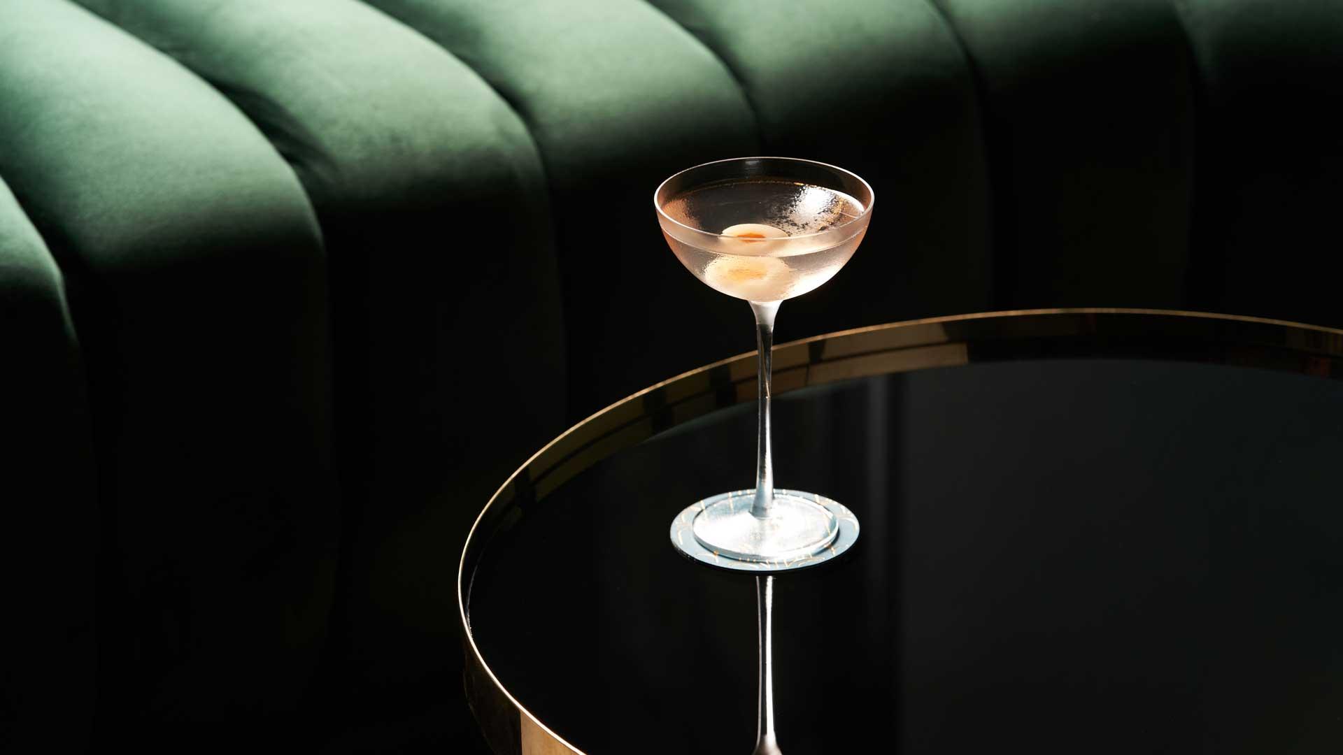 cocktail-più-cercati-su-Google-Martini-Gibson-Coqtail-Milano
