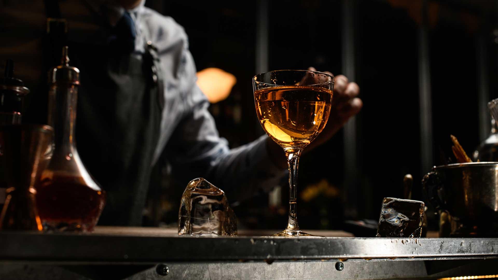 bicchieri-da-cocktail-quali-scegliere-a-cosa-servono-Coqtail-Milano