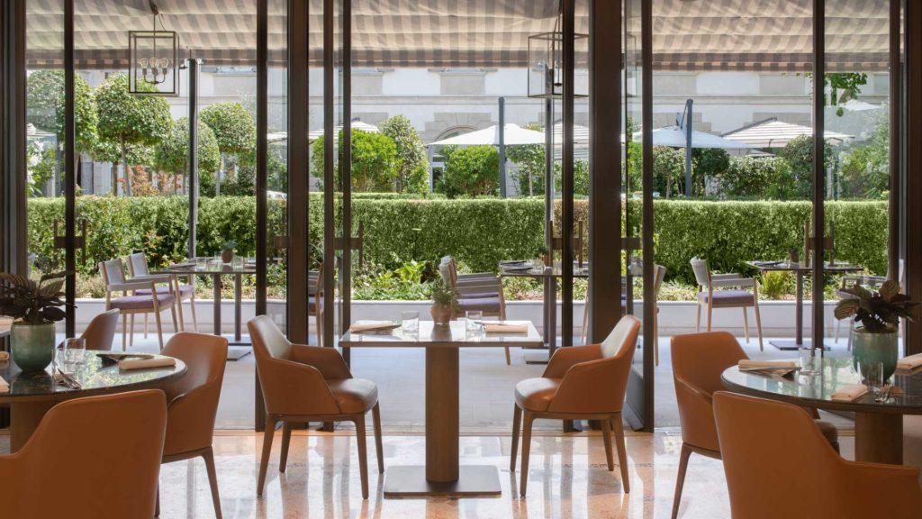 Chiostro-Stilla-Bar-Four-Seasons-Hotel-Coqtail-Milano