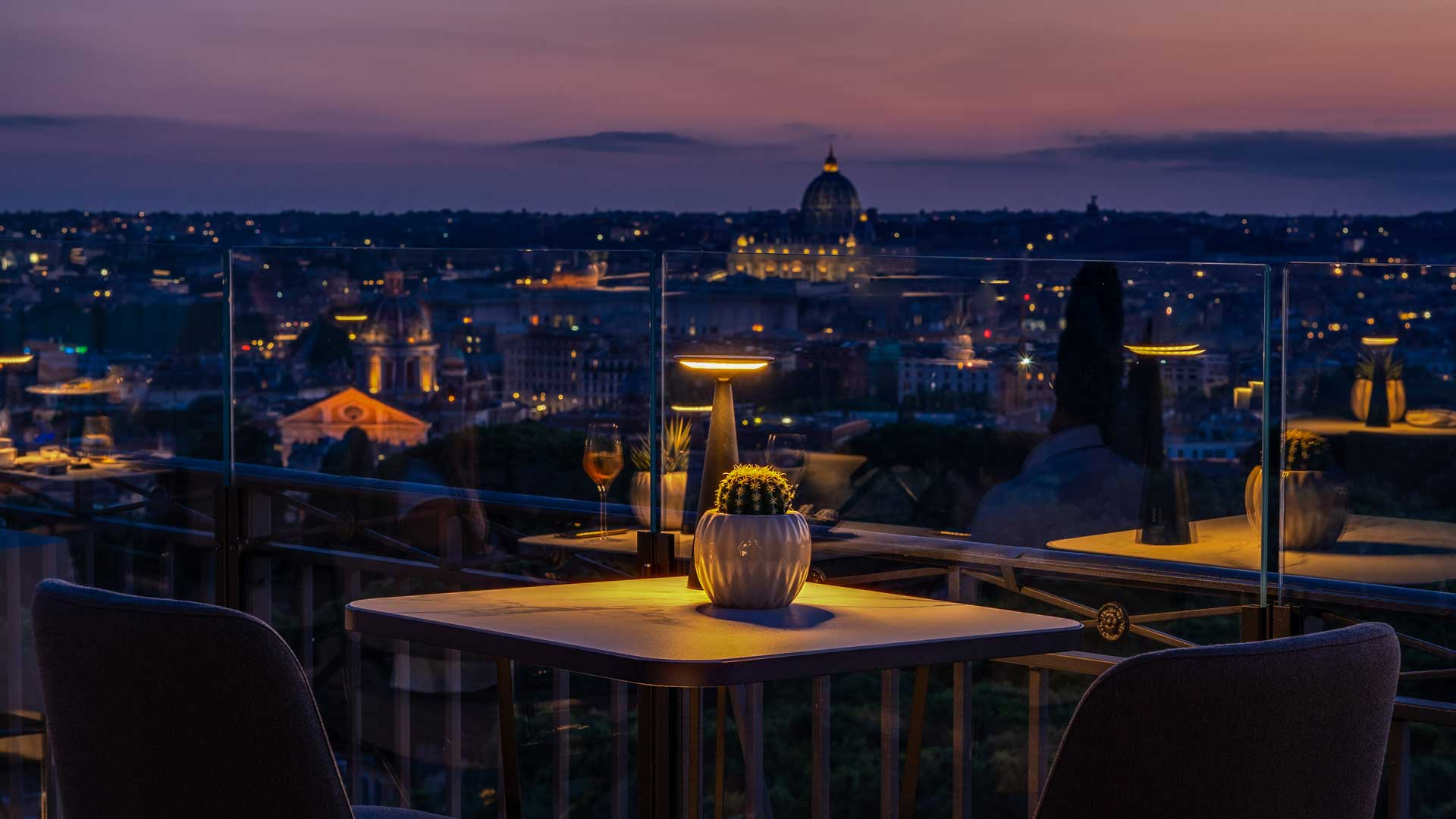 Adèle-cocktail-bar-rooftop-Roma-Coqtail-Milano