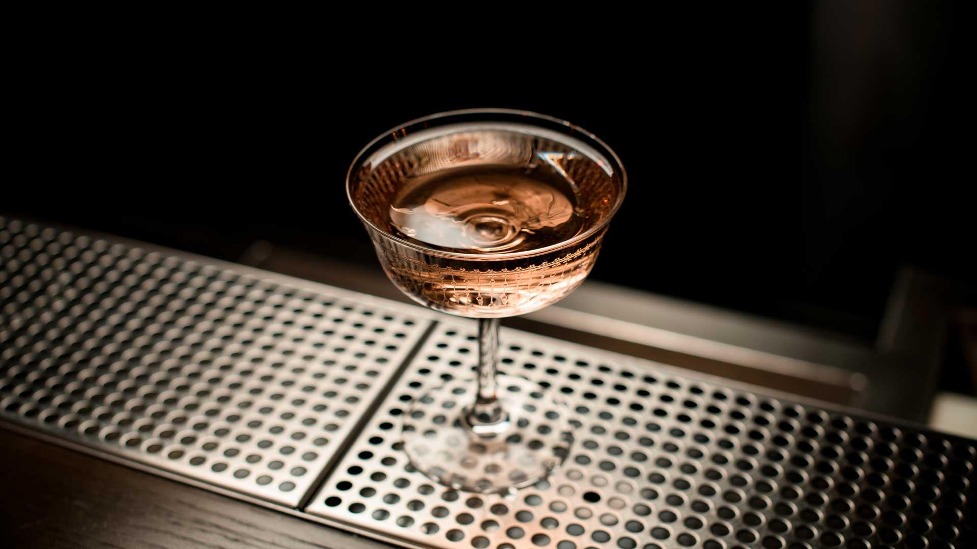 Adonis-cocktail-storia-ingredienti-ricetta-Coqtail-Milano