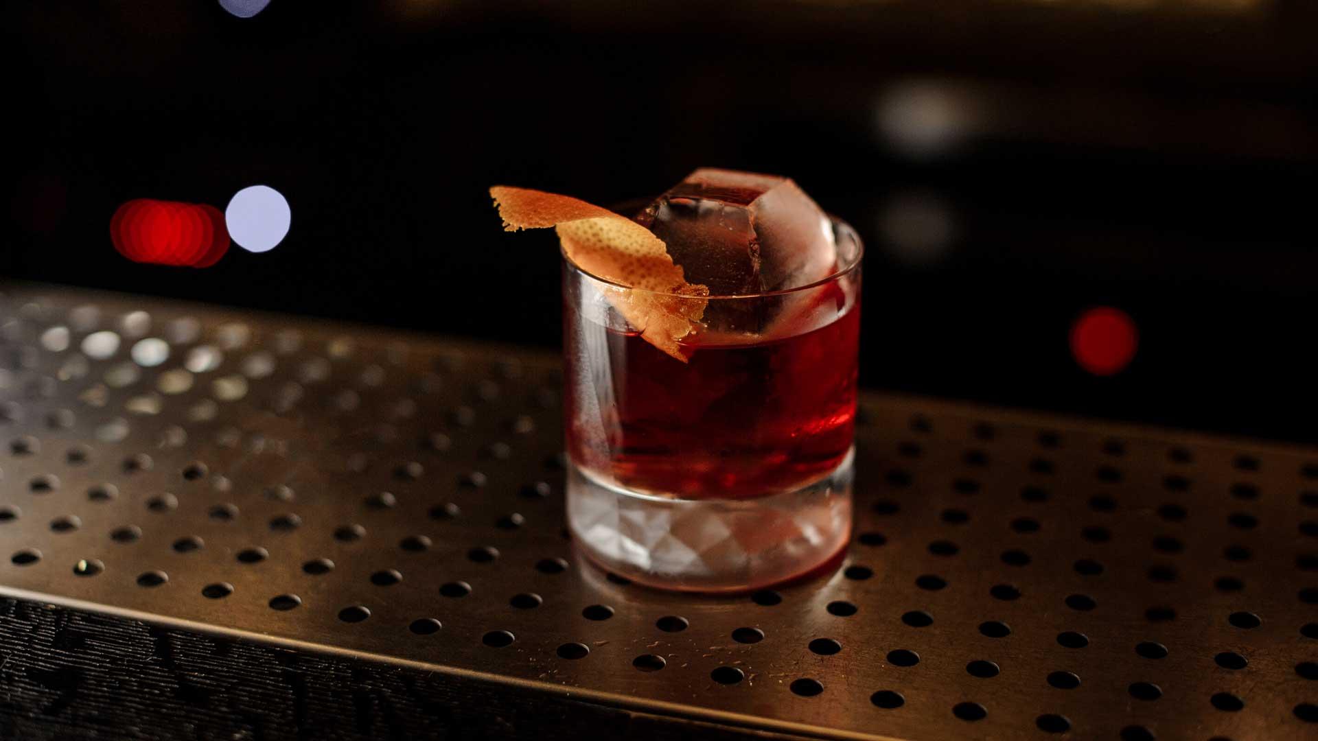 Cocktail-internazionali-IBA-ricetta-Boulevardier-Coqtail-Milano