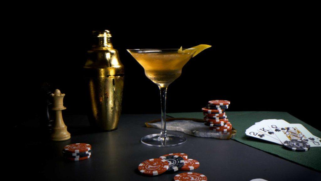 Vespretto-twist-Martini-James-Bond-No-Time-to-Die-Coqtail-Milano