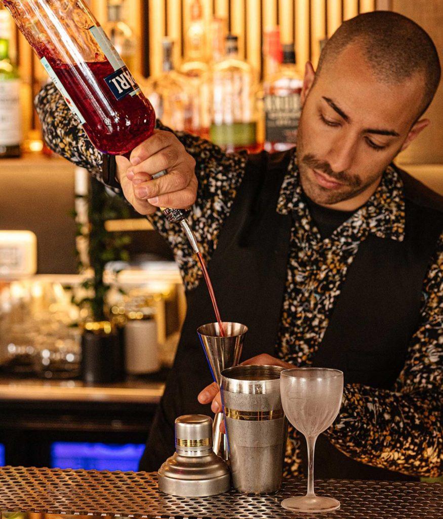 Bartender-Kubla-Khan-Coqtail-Milano